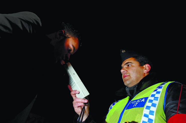 Metade dos condutores com taxa-crime de álcool não vai a julgamento