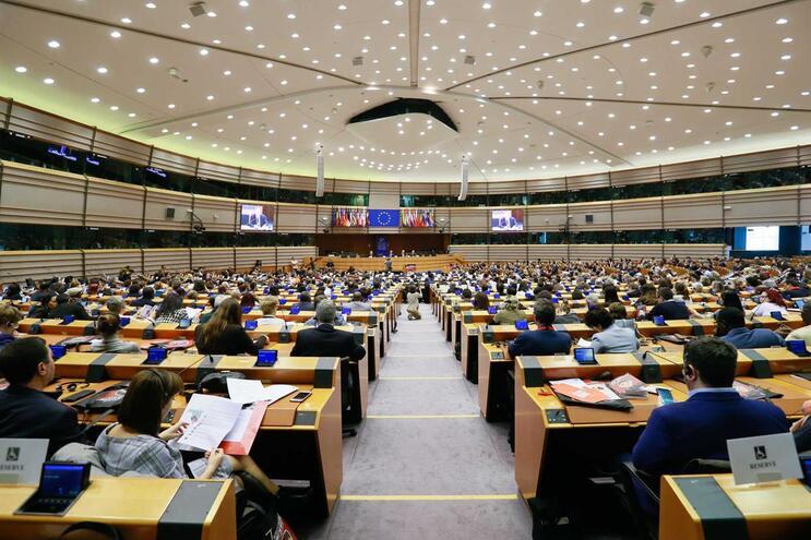 PS pode chegar aos dez eurodeputados e CDU perde dois, diz sondagem