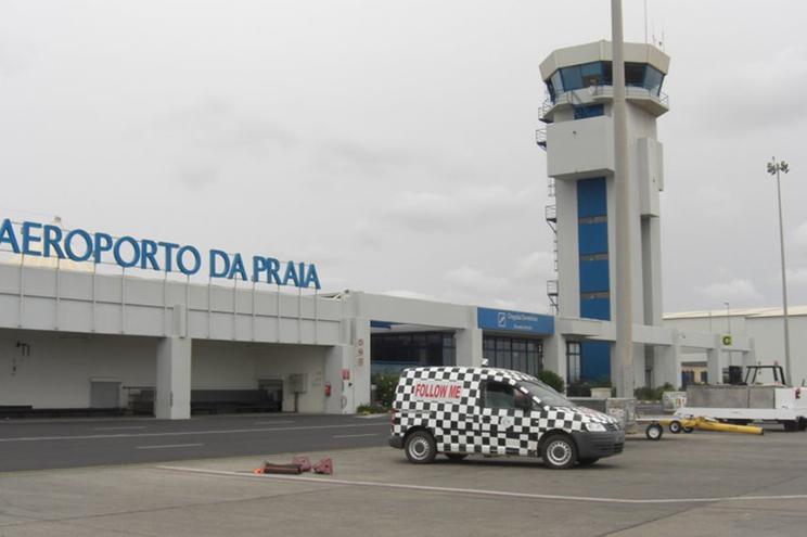 Há vários portugueses em Cabo Verde que aguardam voo de regresso a Portugal