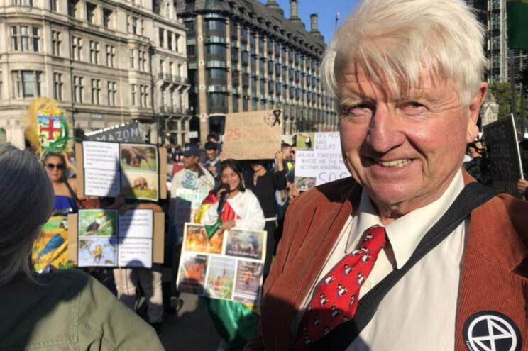 Pai de Boris Johnson junta-se a protestos dos Extinction Rebellion em Londres