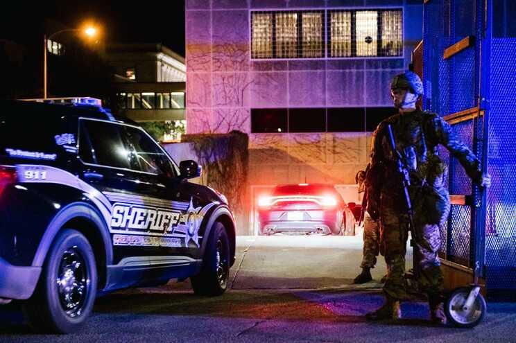 Kenosha: Autor da morte a tiro de dois homens acusado de cinco crimes