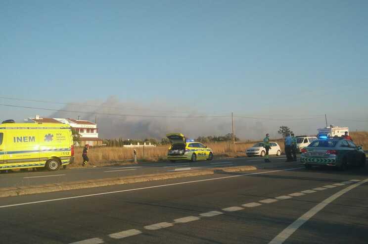 O fogo deflagrou em Lagoa da Mó, perto de Casével, concelho de Castro Verde
