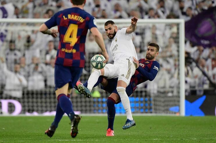Luta entre Real Madrid e Barcelona vai continuar à porta fechada, nas duas próximas jornadas