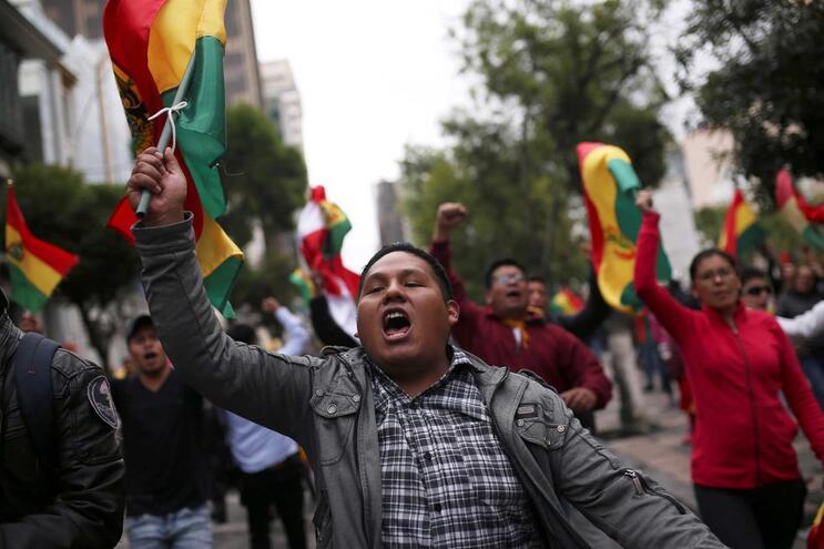 Exército e polícia da Bolívia exigem renúncia do presidente Evo Morales