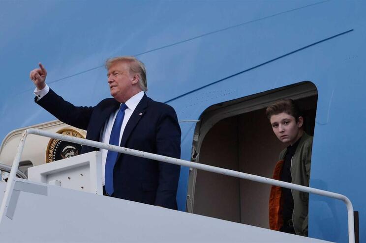 """Donald Trump diz a líder iraniano para """"ter cuidado com o que diz"""""""