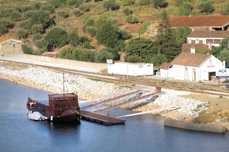Dono das embarcações turísticas, Mário Ferreira, está a perder a paciência