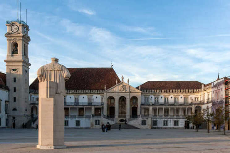 Universidade de Coimbra suspende atividades presenciais