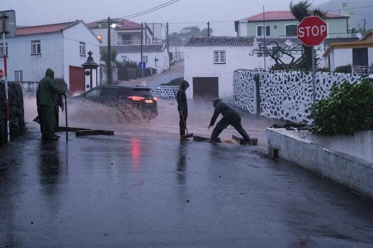 Condições meteorológicas nos Açores melhoraram
