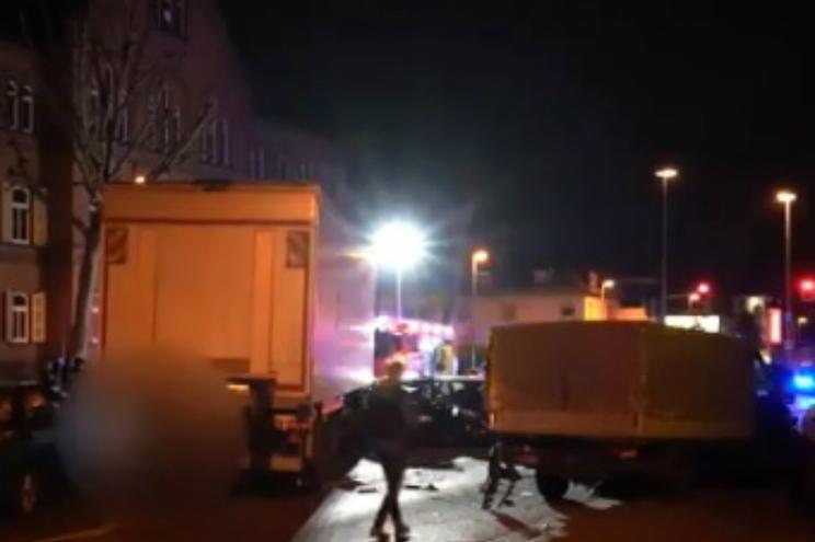 Despiste de camião roubado faz vários feridos na Alemanha