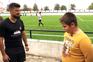 Menino de 11 anos reencontra-se com árbitro a quem pediu desculpa