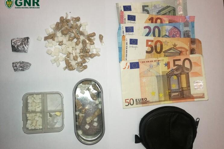 Dois detidos por tráfico de droga em Famalicão e Guimarães