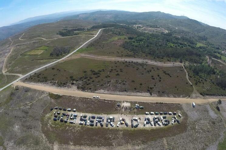 Movimento SOS Serra d'Arga entrega na AR 1500 assinaturas contra o lítio