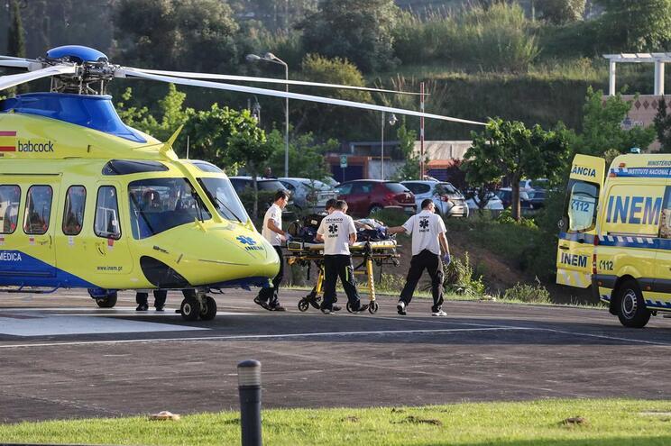 Helicóptero do INEM à chegada ao hospital em Coimbra