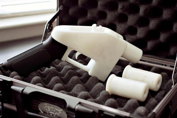 Defensor de armas em 3D desafia ordem de tribunal e divulga planos na Internet
