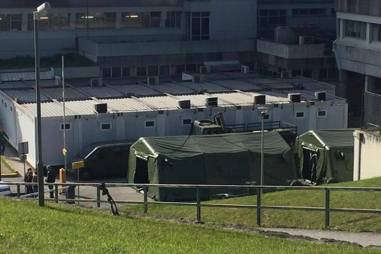 Há um hospital de campanha junto ao Hospital de Viana do Castelo