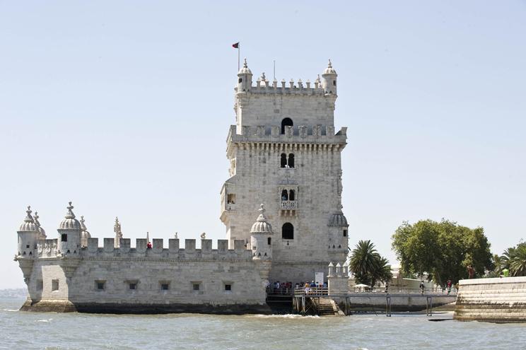 Proposta do PCP alarga a gratuitidade da entrada nos museus, palácios e monumentos   GONCALO VILLAVERDE 03082008