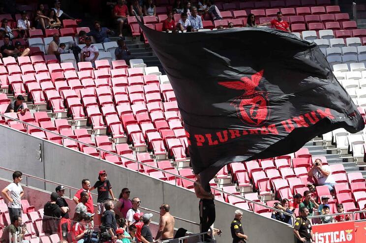 Benfica, Braga e P. Ferreira com um jogo à porta fechada