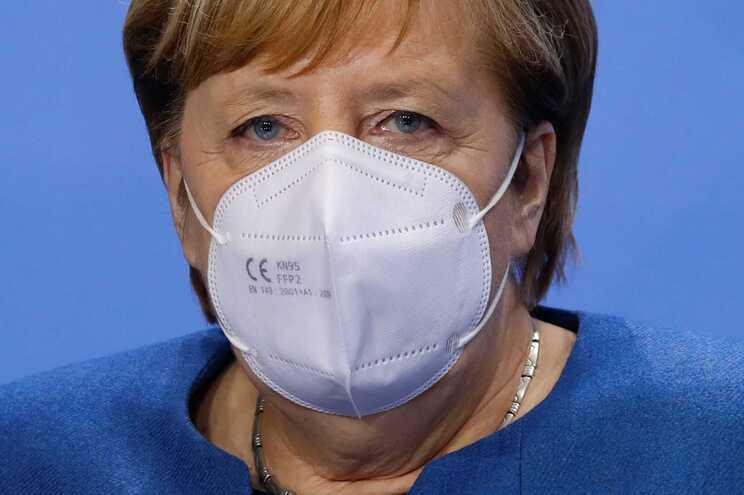 Medidas foram anunciadas pela chanceler alemã