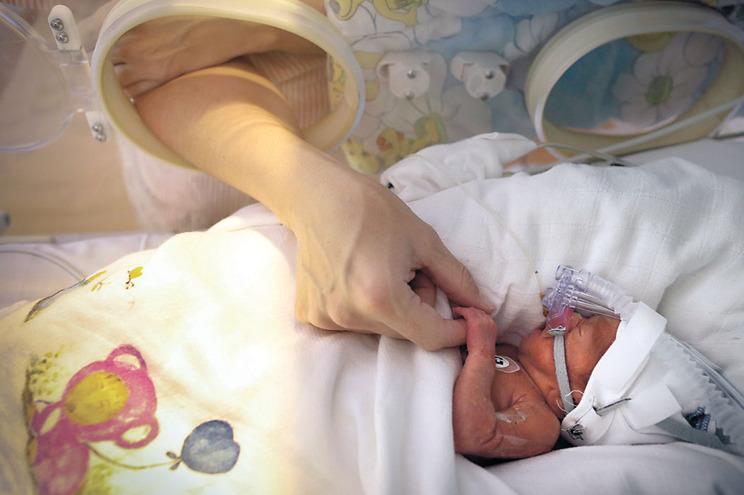 """Um bebé """"é das poucas razões para manter a vida"""""""