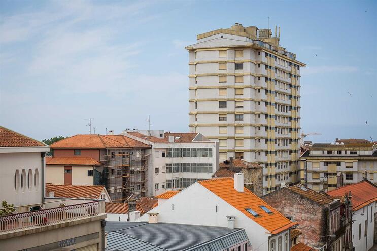 Ação judicial contra moradores do prédio Coutinho por prejuízos avança em janeiro