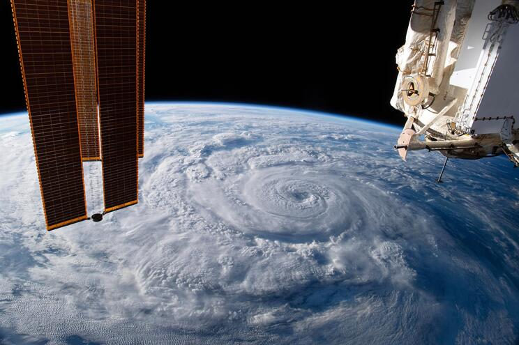 Estação Espacial Internacional consegue evitar destroços de foguete