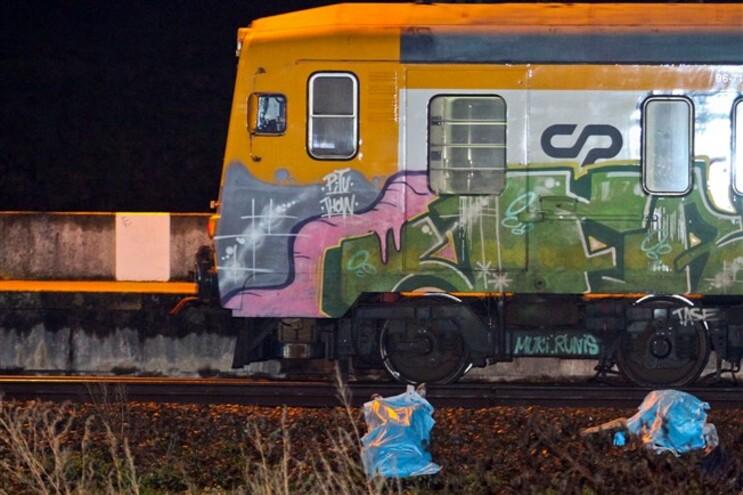 Familiares de graffiters atropelados na Maia acusam Justiça de encobrimento