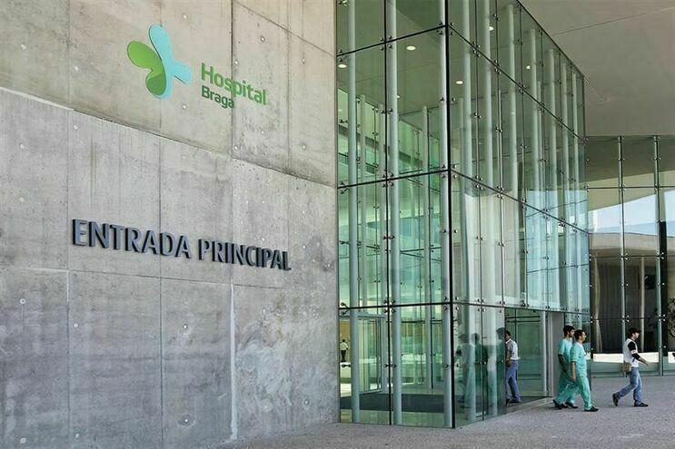 Ministra diz estar atenta a problemas dos trabalhadores do Hospital de Braga