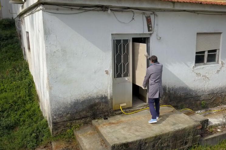 JN Solidário está a reconstruir casa de bombeiro