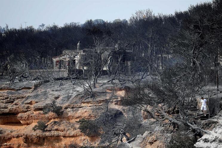 Balanço sobe para 94 mortos no fogo de julho na Grécia