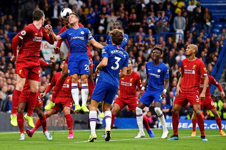 Liverpool vence Chelsea e continua imparável em Inglaterra