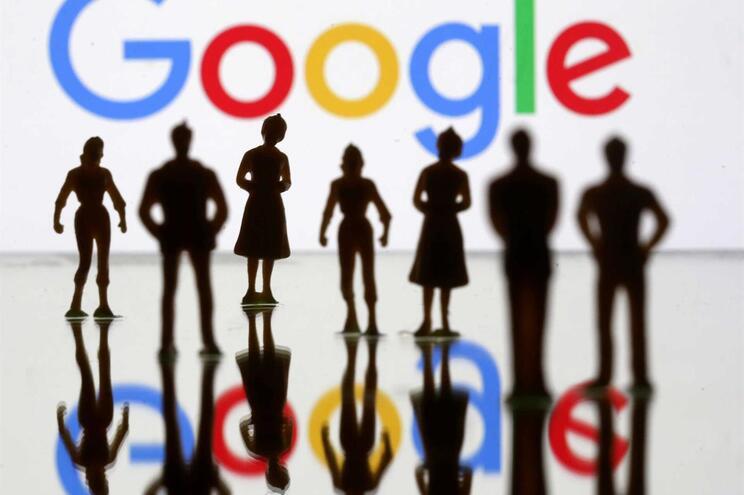 Google escuta conversas em português e espanhol