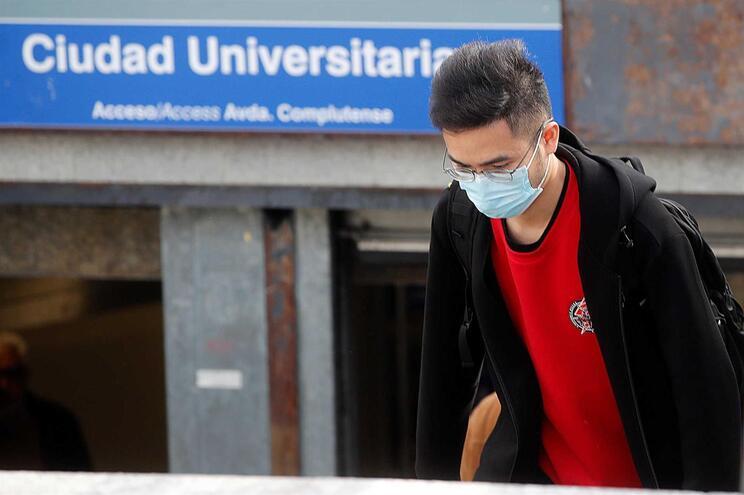 Quase metade do total de infetados está na região de Madrid (1388)