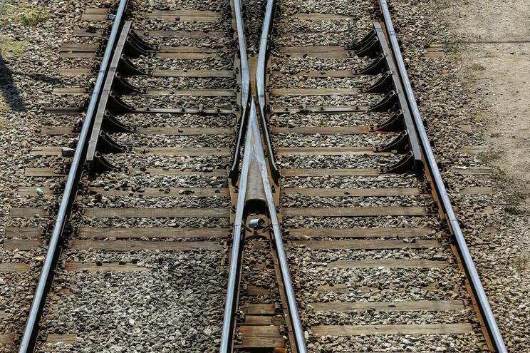 Comboio não parou na estação