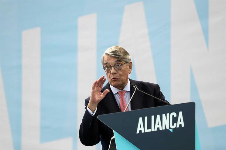 O embaixador Martins da Cruz