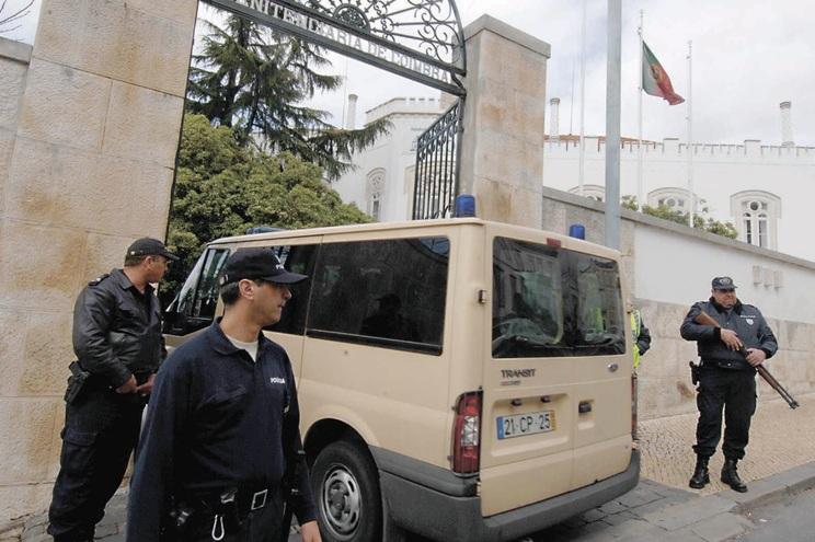 Rui Mesquita Amorim encontra-se preso desde 1995. Começara a fazer saídas precárias quando foi apanhado