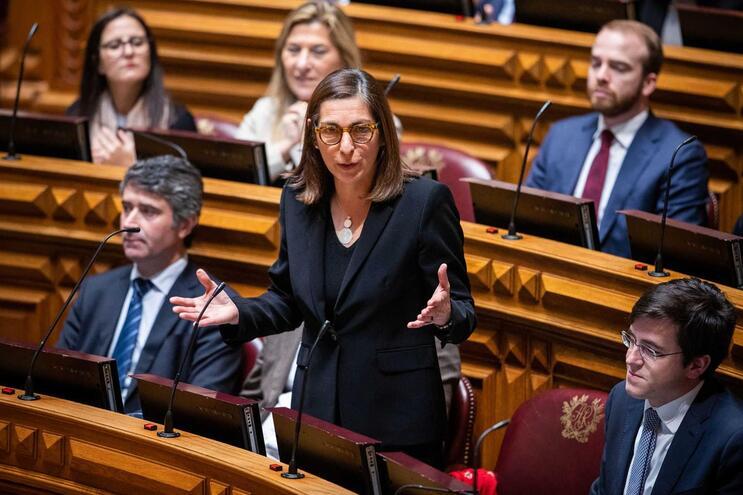 A líder parlamentar do Partido Socialista, Ana Catarina Mendes