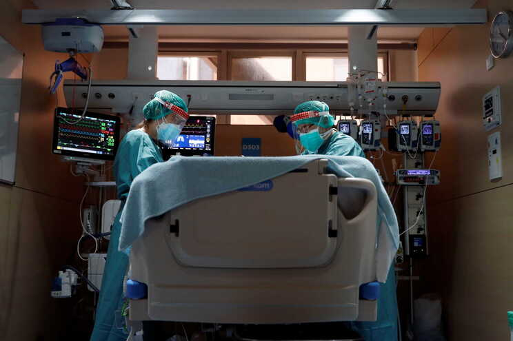 Deram entrada nos hospitais com a doença nas últimas 24 horas 1388 pessoas