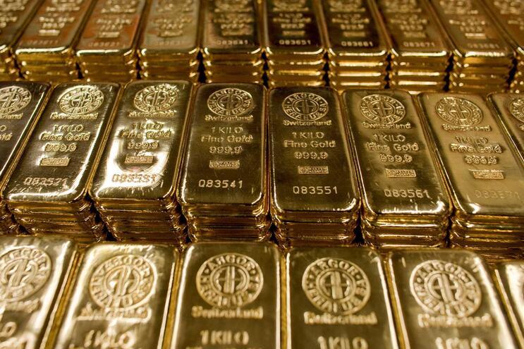 Suspeito de enganar bancos na China com barras de ouro fugiu para Portugal