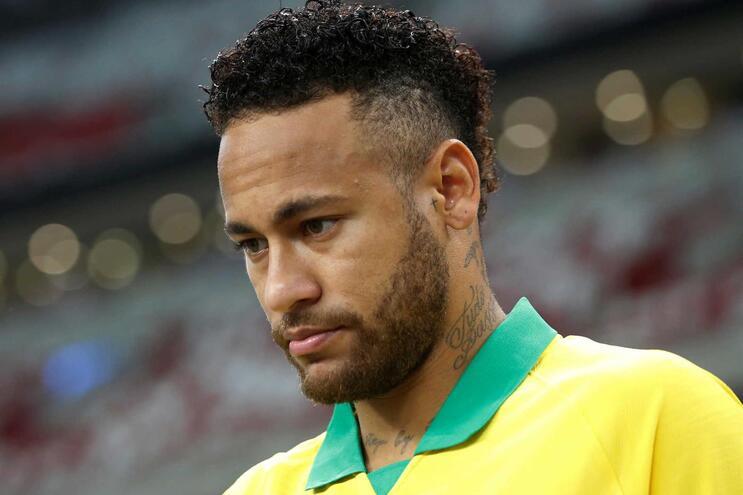 Neymar volta a parar e vai falhar mais cinco jogos do PSG