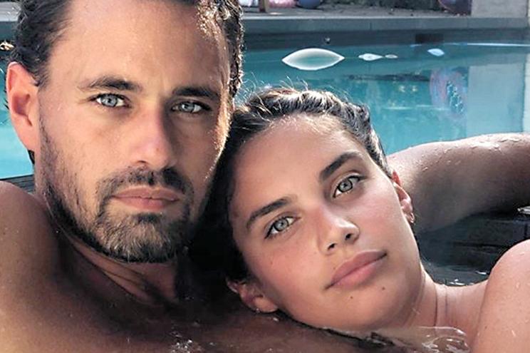 Sara Sampaio  de novo com  o namorado