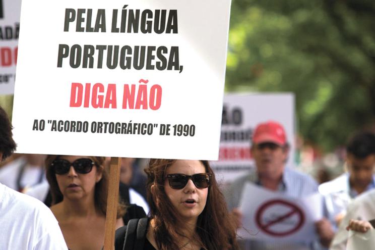 Aplicação do Acordo Ortográfico de 1990 continua a enfrentar resistência na sociedade portuguesa
