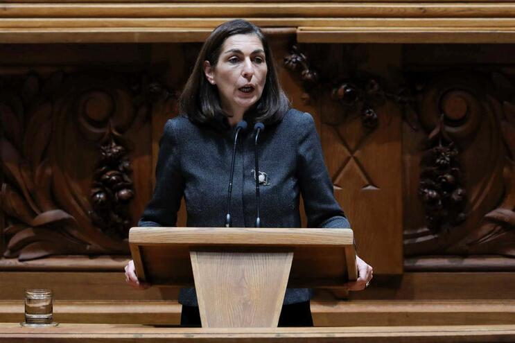 A líder parlamentar do PS, Ana Catarina Mendes
