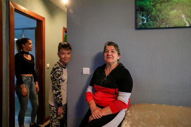Helena Campos com o seu neto Hélder e a sobrinha Tânia