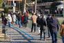Muitos eleitores e pouco distanciamento em dia de voto antecipado