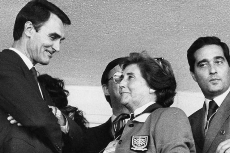Fernanda Pires da Silva com Cavaco Silva, na altura primeiro-ministro, em 1986
