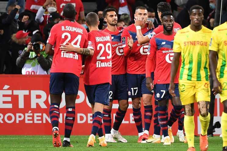 Jogadores do Lille festejam um dos golos