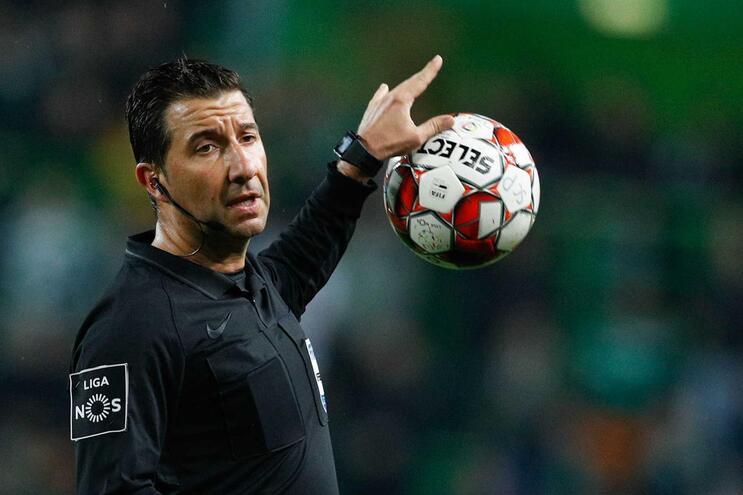 Depois do Benfica-Famalicão, Hugo Miguel será o árbitro do jogo entre Benfica e Braga na Luz