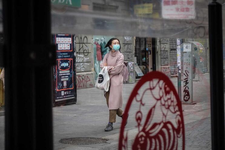 Houve menos novos casos na China que no resto do mundo pela primeira vez