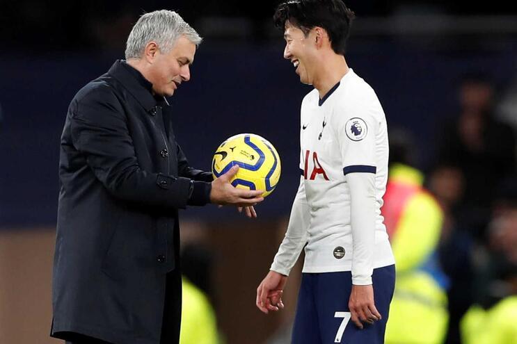Mourinho não deixa Son ficar com a bola do jogo