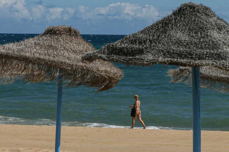 Quebras no turismo fazem desemprego noAlgarvecrescer mais de 200%